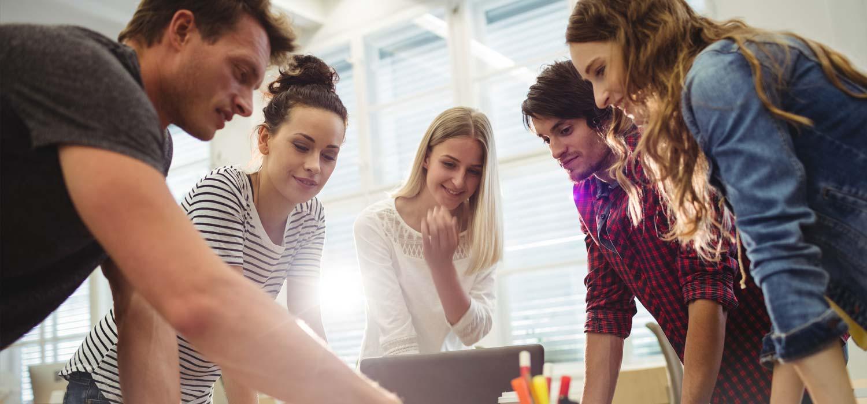 Si eres emprendedor, necesitas destacar frente a la fuerte competencia. Aprovecha los beneficios de posicionar una marca en emprendimiento.